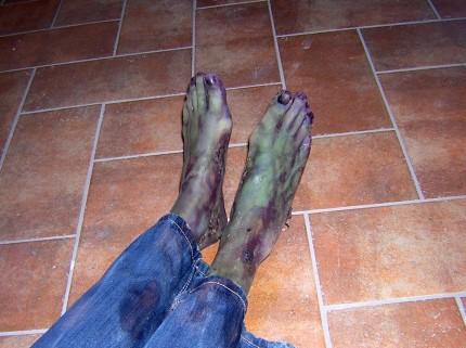 piedi_cadavere_2