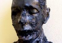 volto uomo carbonizzato